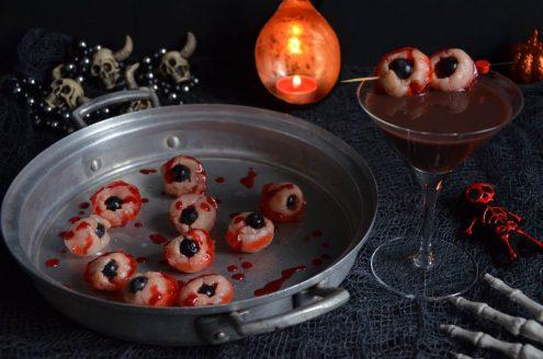 Yeux de zombie rose litchi et cocktail pour Halloween