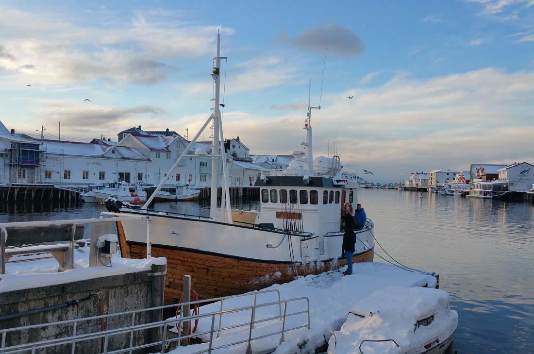bateau de pêche pour le skrei