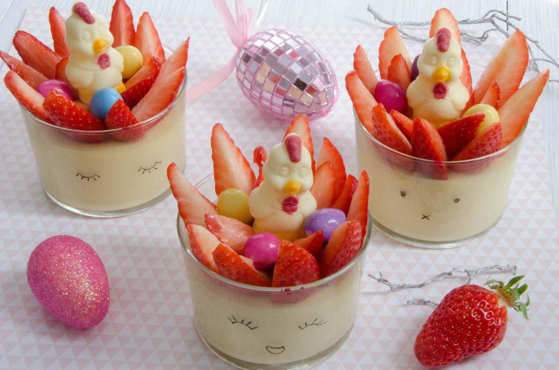 pots de crème chocolat blanc fraises et oeufs de Pâques