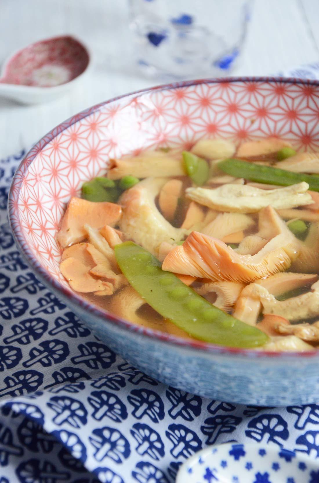 Soupe poulet pleurotes roses