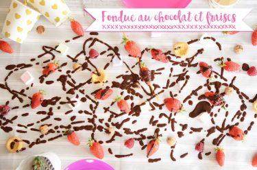 Fondue au chocolat et aux fraises