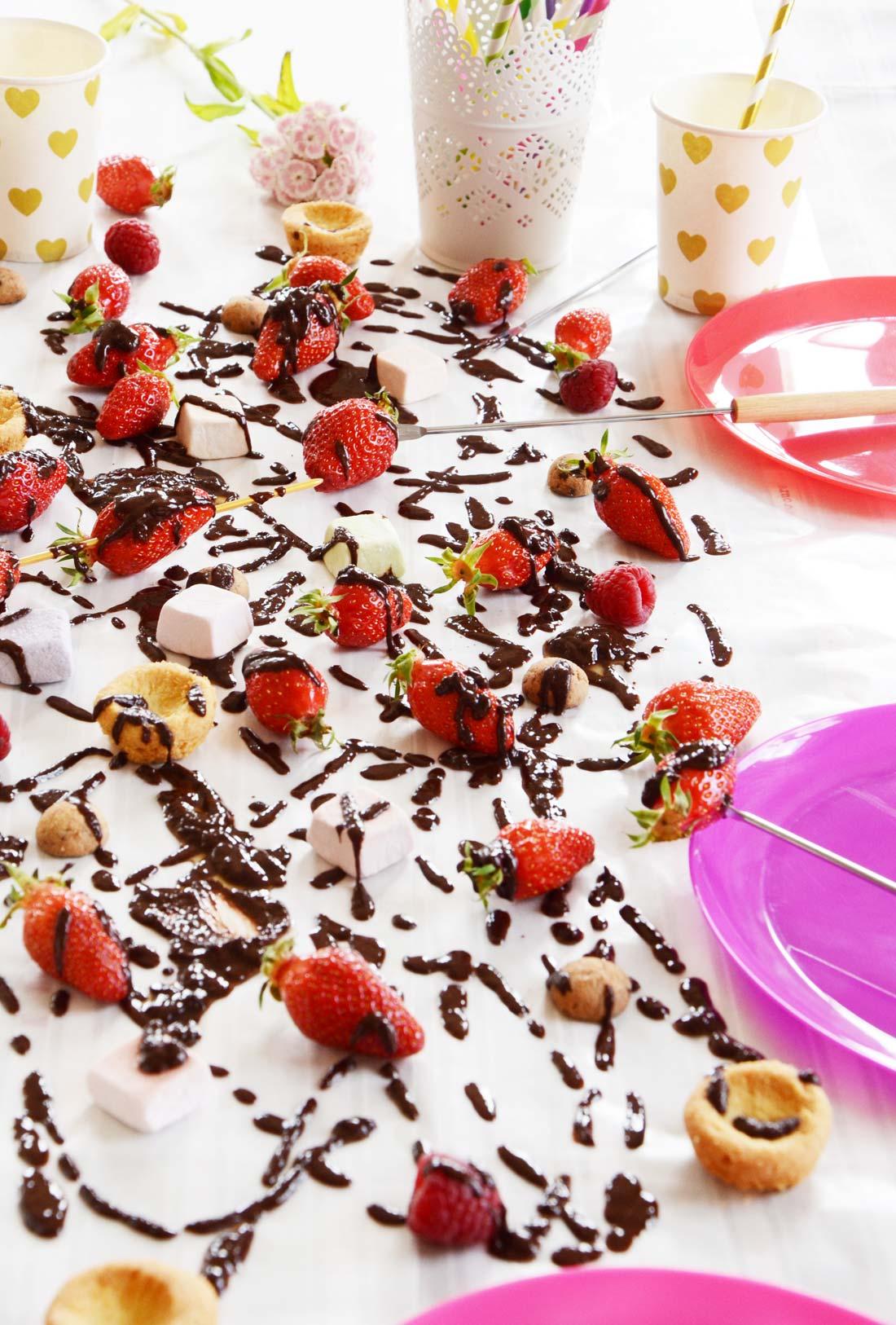 recette de Fondue au chocolat et aux fraises maison