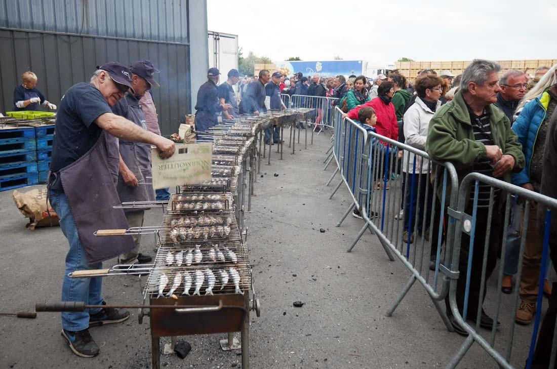 cuisson des sardines à la fête de la bonnotte