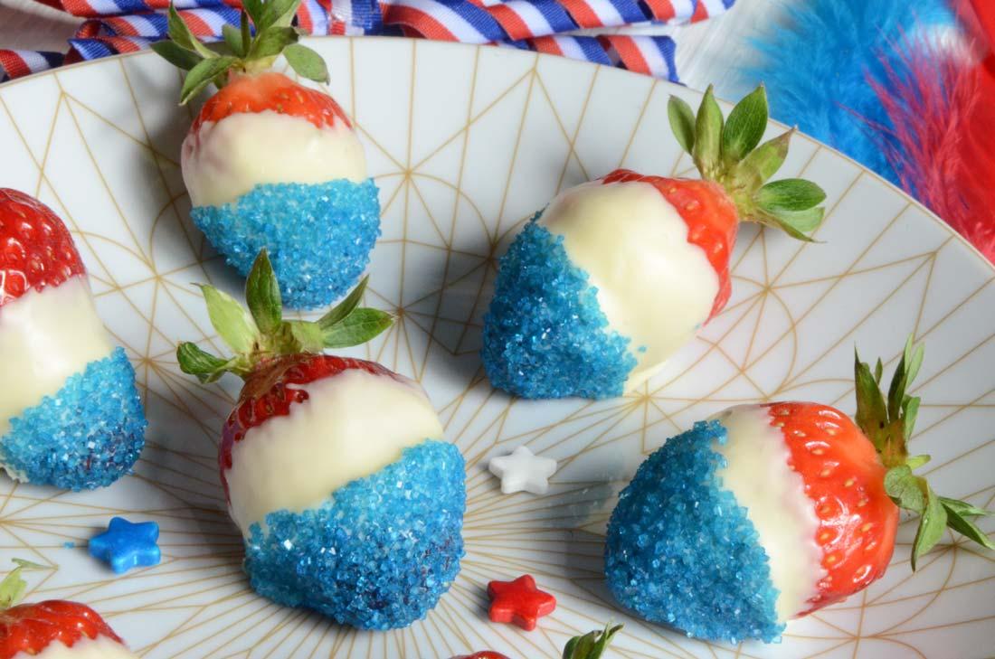 Myrtilles et fraises en Bleu Blanc Rouge maison