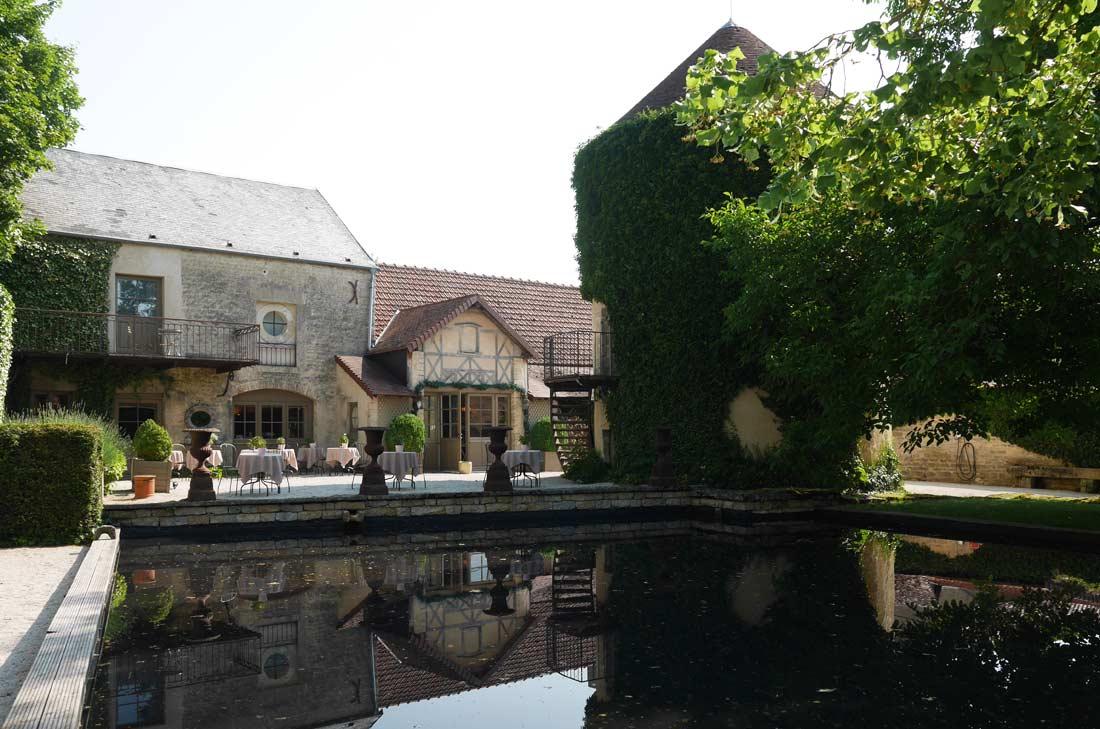 pigeonnier au château de Courban