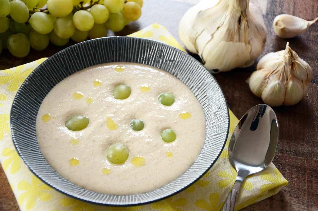 ajo blanco, soupe espagnole à l'ail