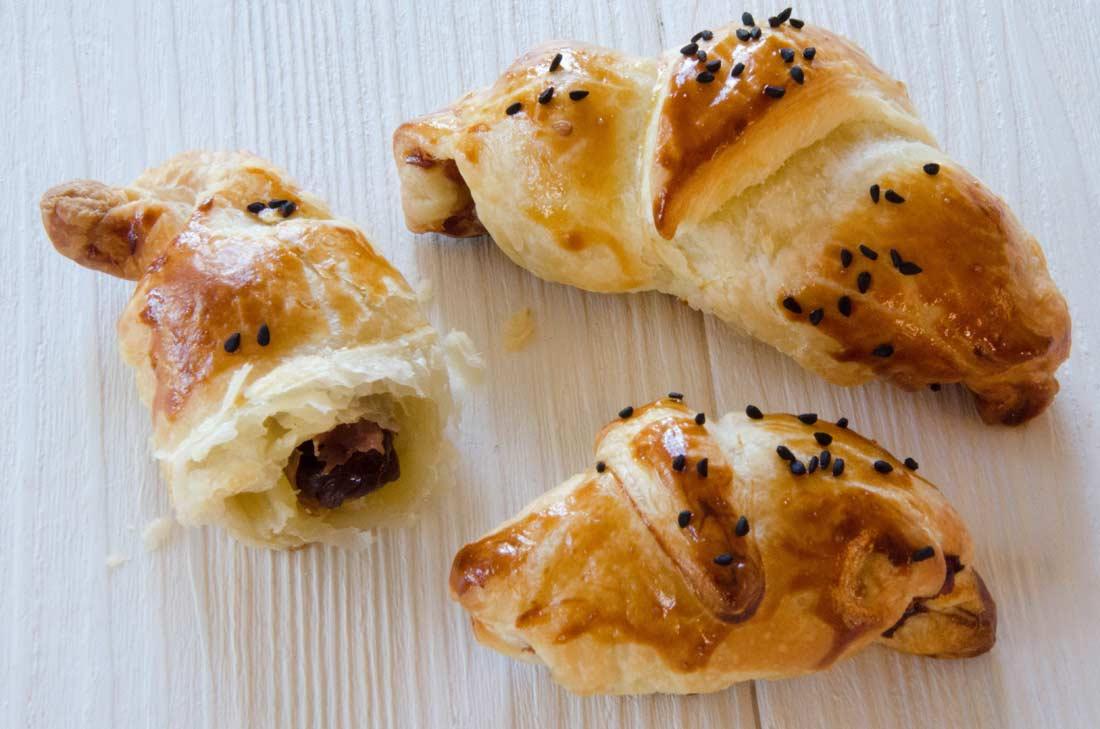 Mini croissants pruneaux jambon de Parme faits maison