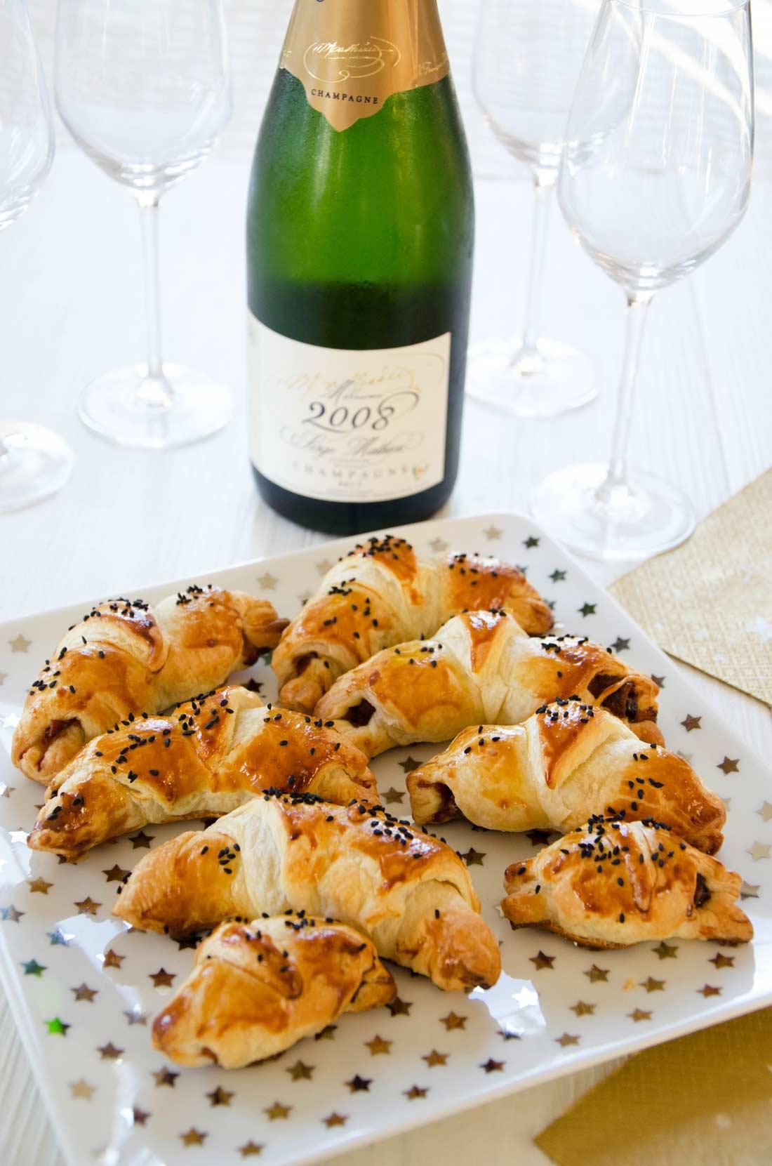mini croissants pruneaux et jambon de Parme maison