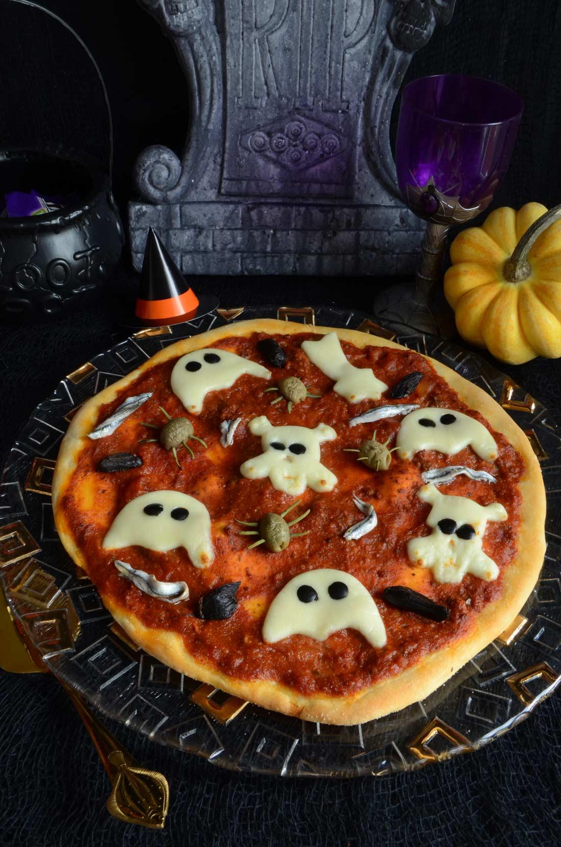 pizzas fantômes maison pour fêter Halloween