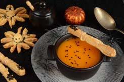 Recettes Halloween : velouté de potiron à la mélisse doigts de sorcière au comté et sésame noir