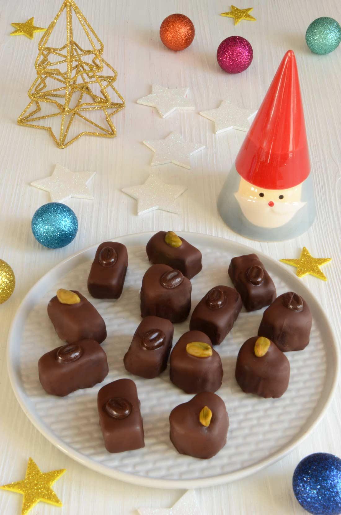 Chocolats pâte d'amande faciles et gourmands pour Noël