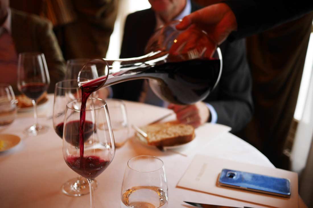Pauillac 2015 en carafe, un vin de Chris Cardon