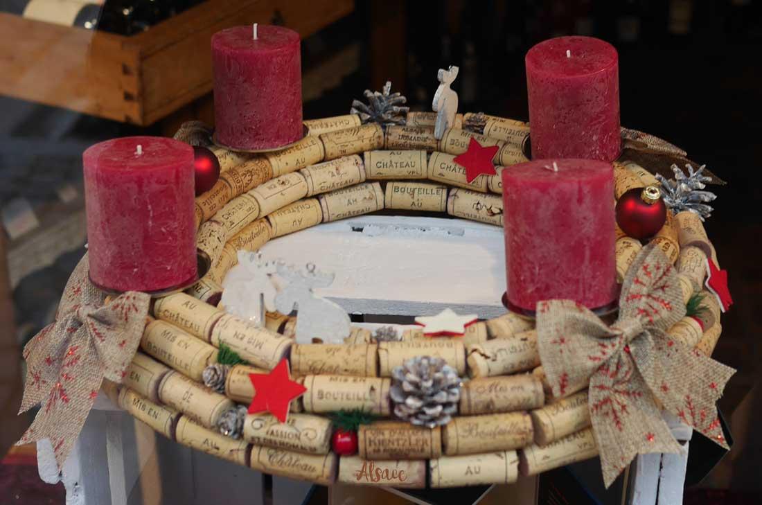 vignobles d'Alsace : couronne de l'Avent en bouchons de liège