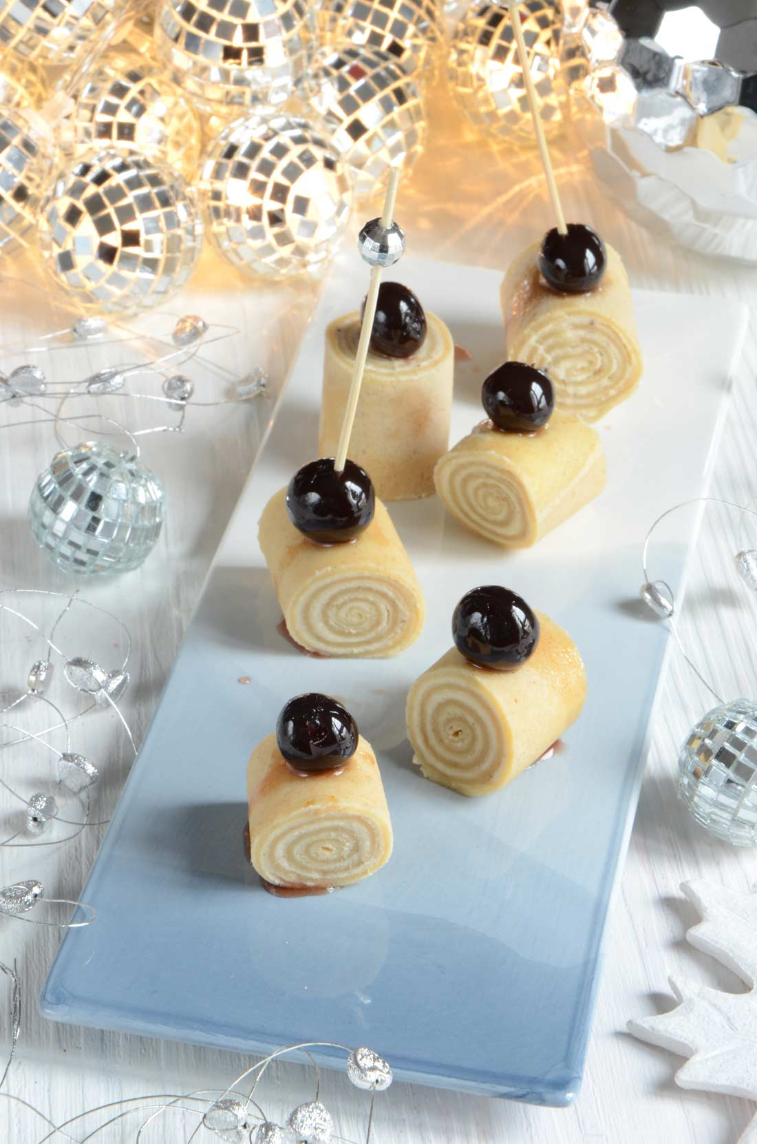 Roulés de crêpes chocolat blanc cerises amarena fait maison
