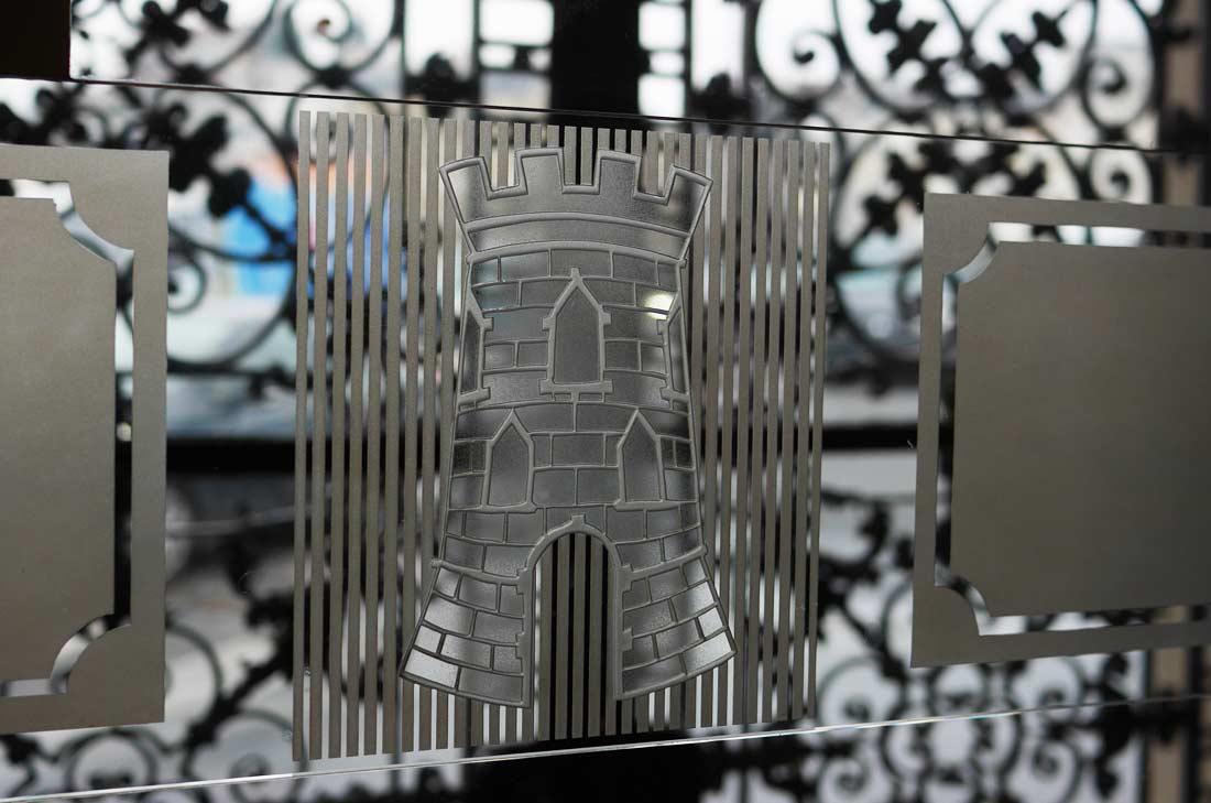 porte vitrée du vestibule de la Tour d'Argent