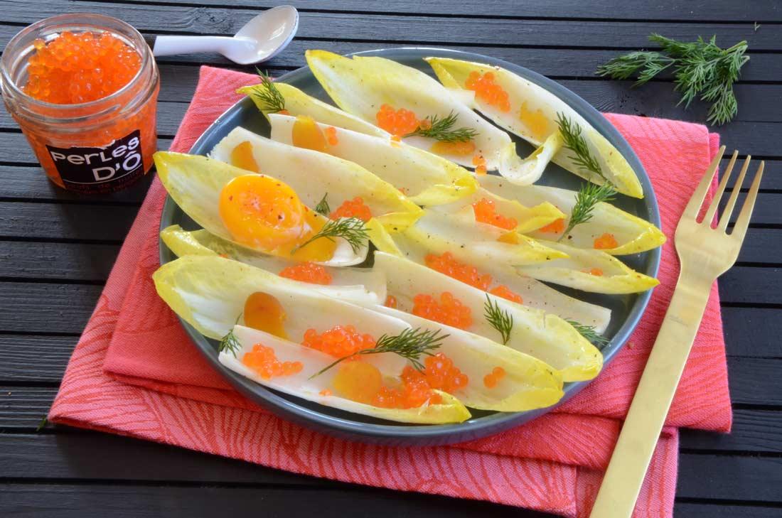 Salade d'endives aux oeufs de truite et à la poutargue fait maison