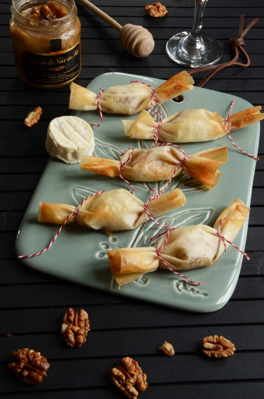 recette de bonbons de fromage miel et noix pour l'apéritif