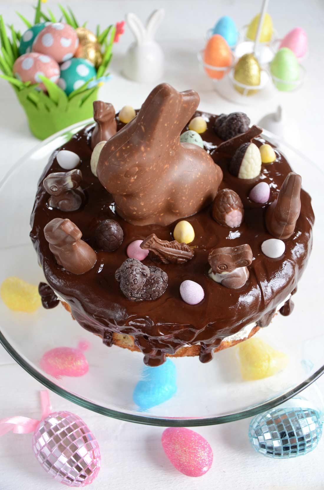 Gâteau noisettes et chocolat de Pâques fait maison