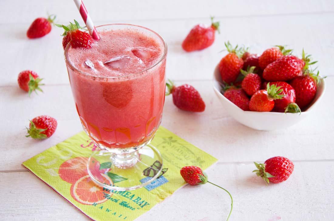 Jus de fraises au vin rosé glacé maison