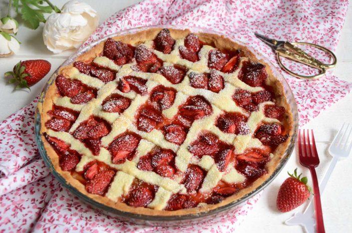 Tarte rhubarbe fraises maison