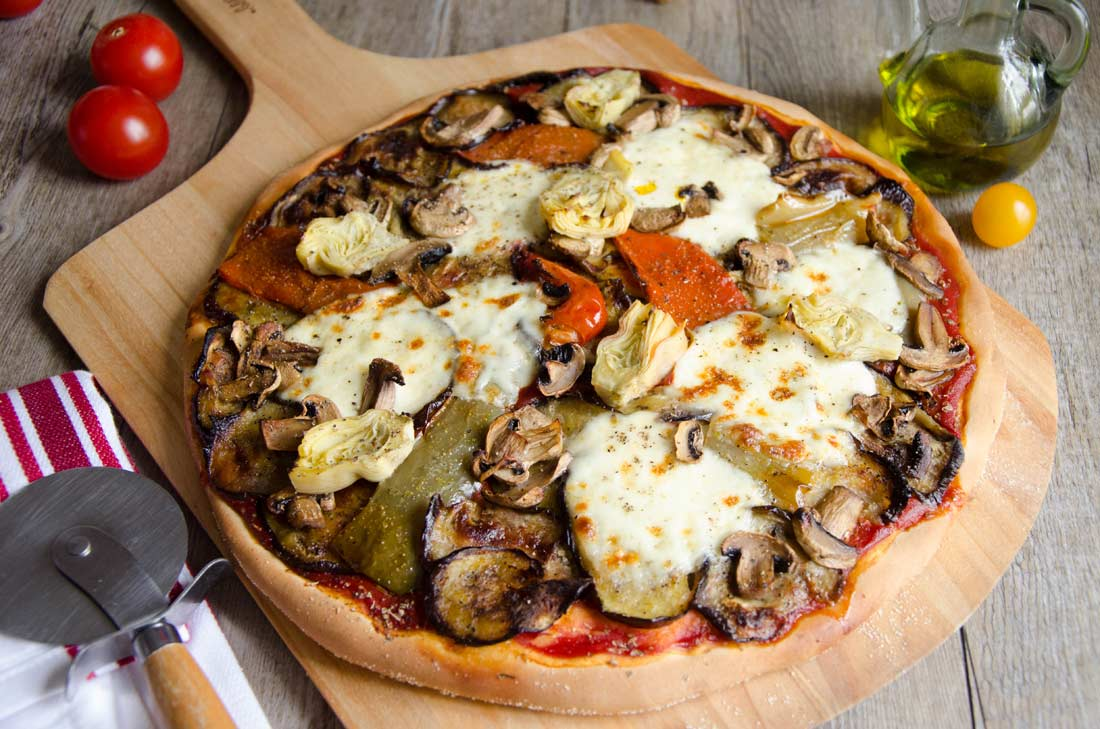 Pizza légumes grillés et mozzarella