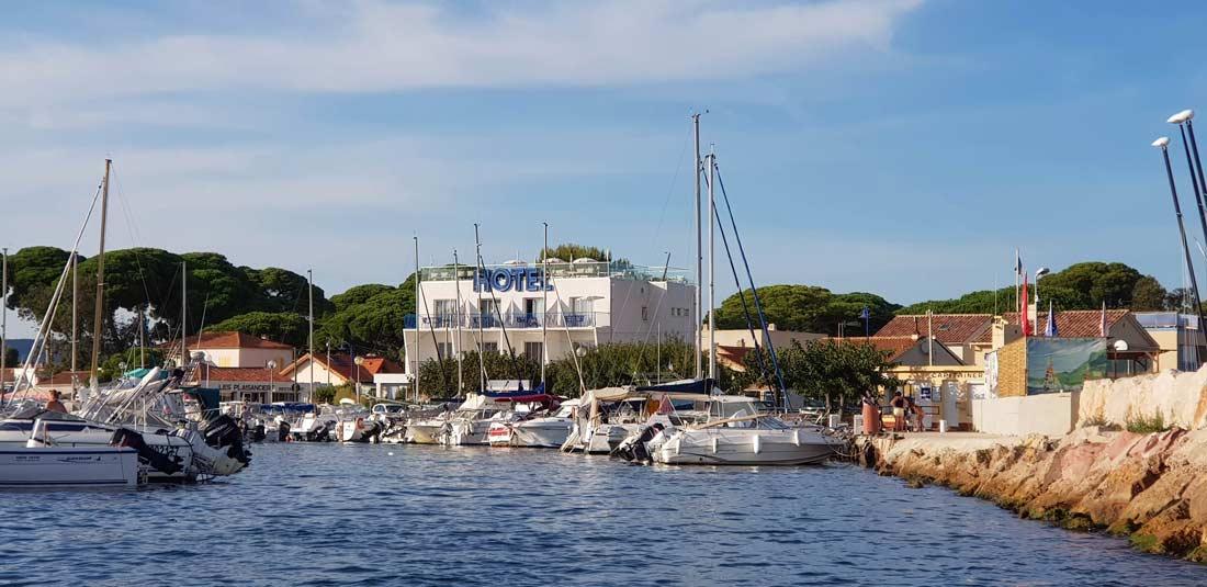 Hôtel La Reine Jane à Hyères, port de l'Aygade