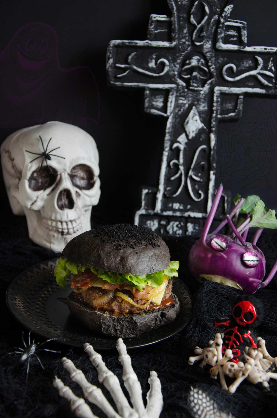 Pains à hamburger noir maison