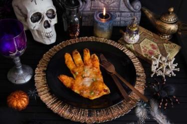 mains pizza Halloween fait maison