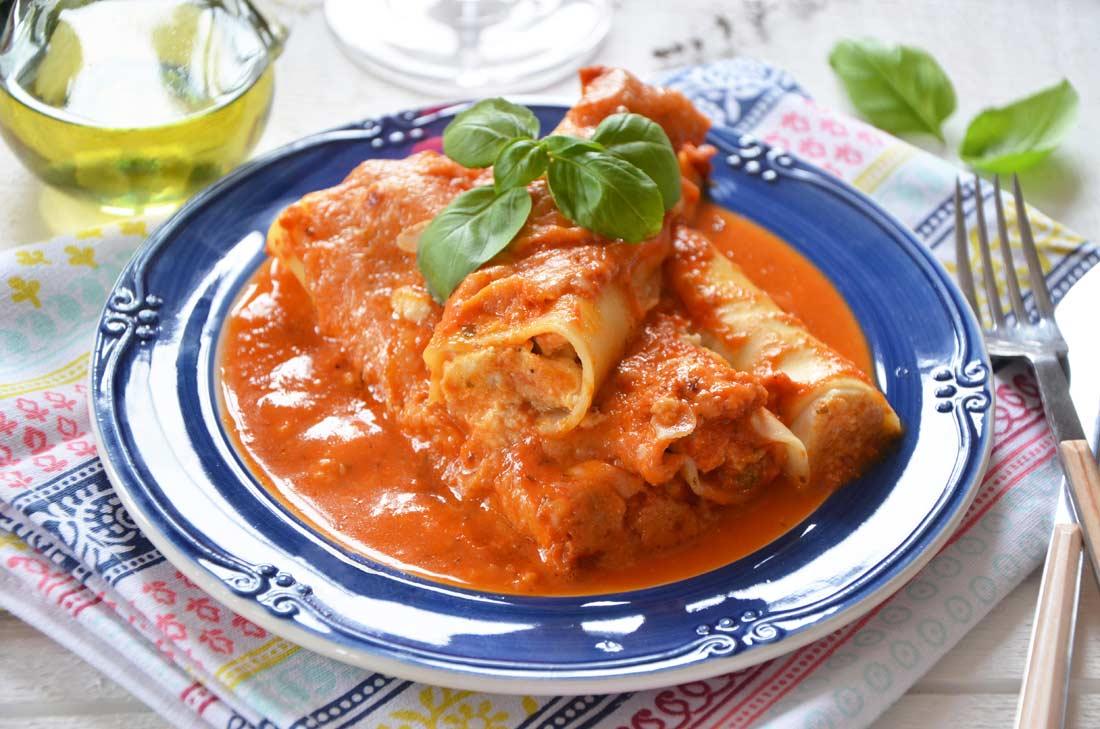 cannellonis à la brousse et au coulis de tomate