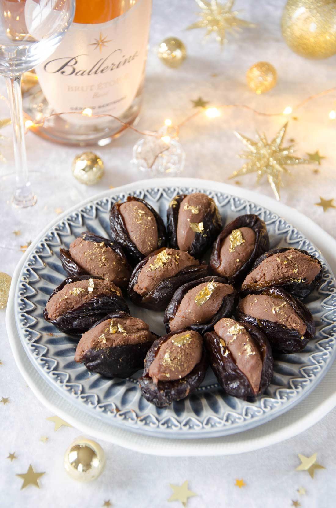 pruneaux farcis au chocolat maison