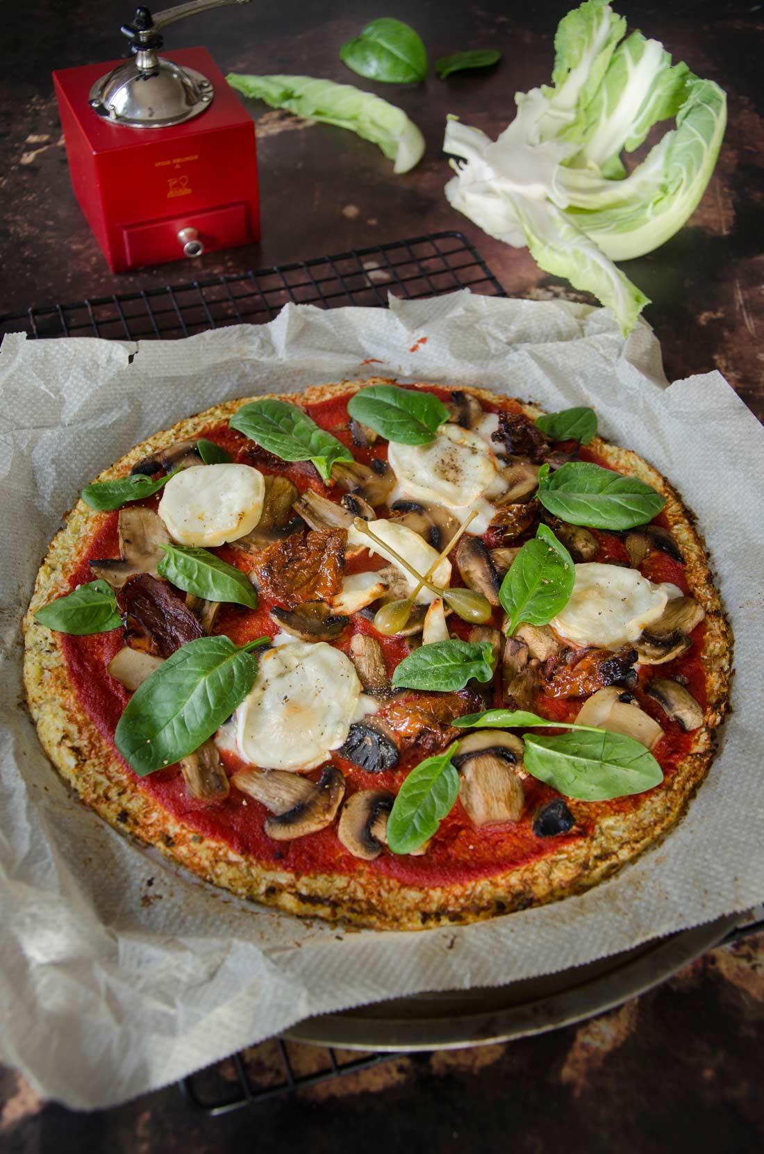 Pizza chou-fleur champignons chèvre fait maison