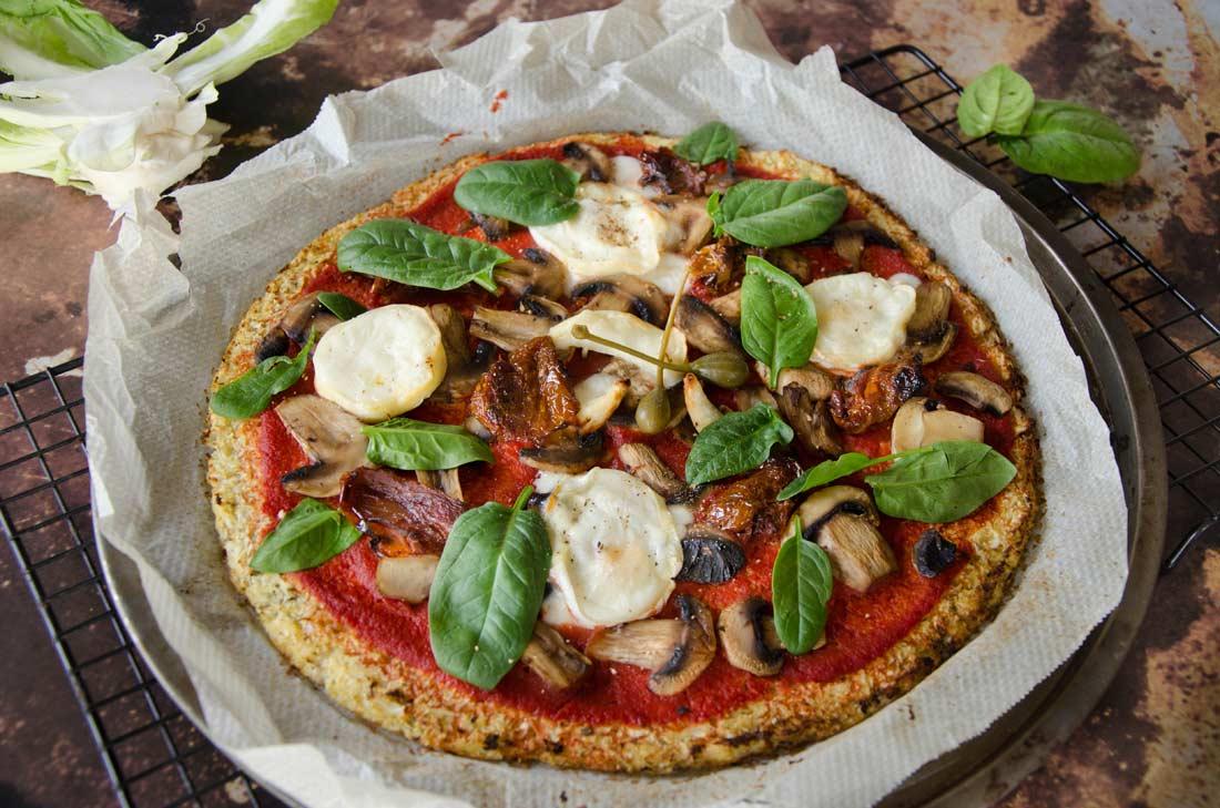 pizza chou-fleur champignons et fromage de chèvre fait maison