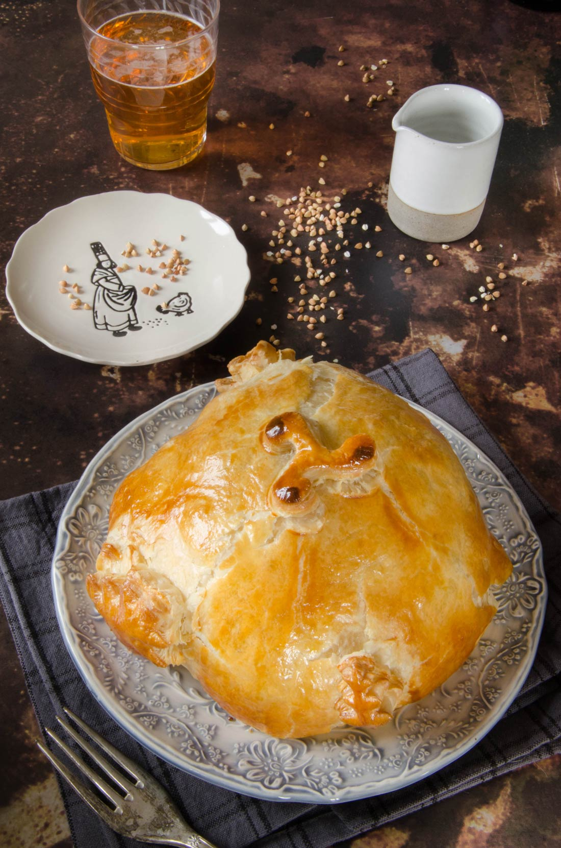 Chou-fleur au sarrasin en croûte de pâte feuilletée fait maison
