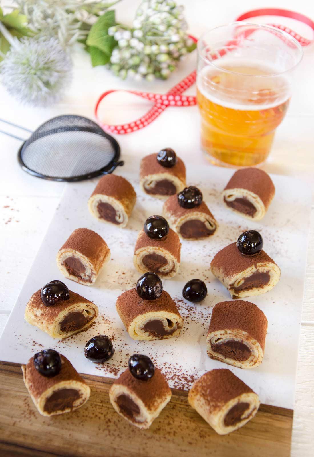 Roulés de crêpes chocolat forêt noire