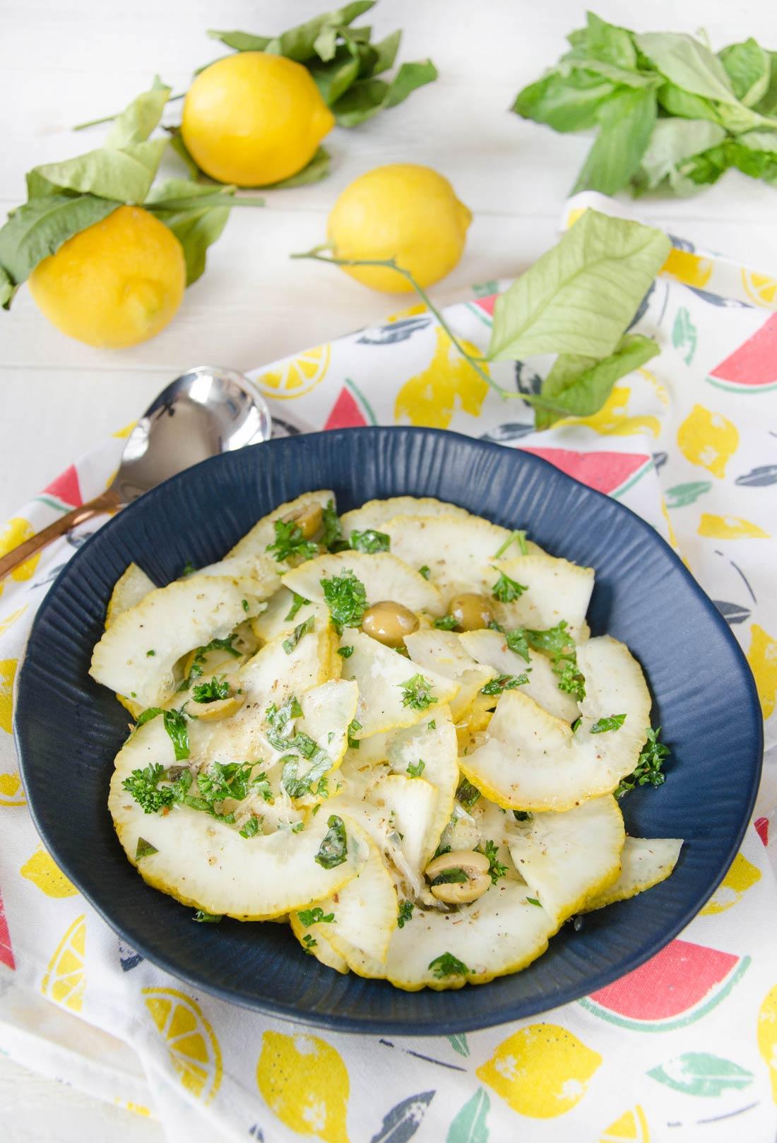 Salade citron cédrat herbes olives fait maison