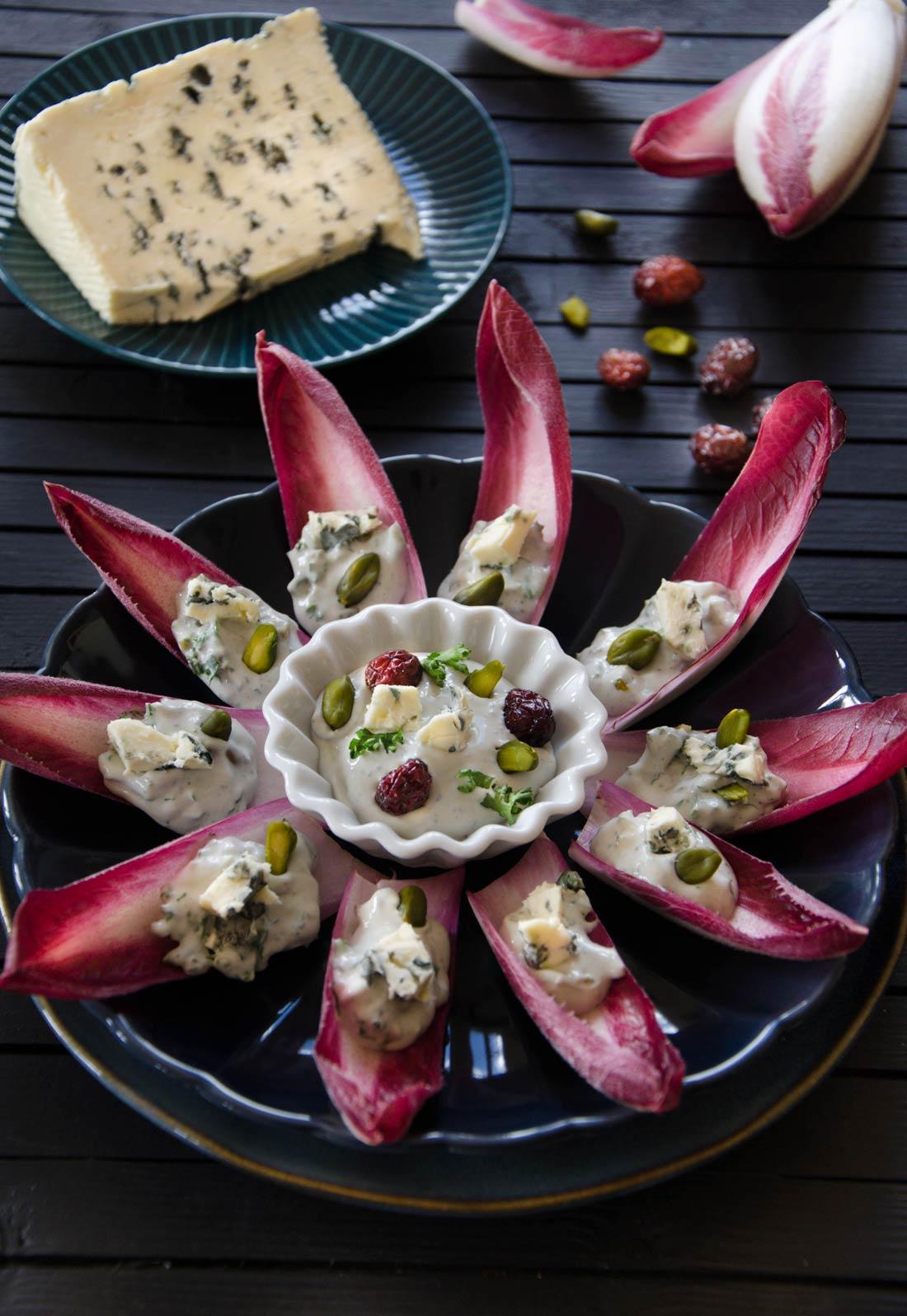barquettes endive Saint Agur Cranberries pistaches