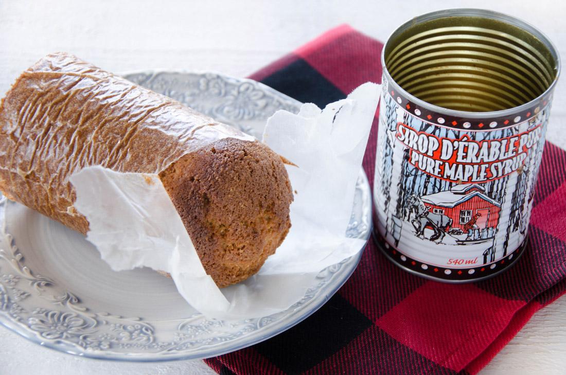Gâteau à l'érable cuit dans une conserve fait maison