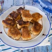 Nuggets de poisson faciles et maison