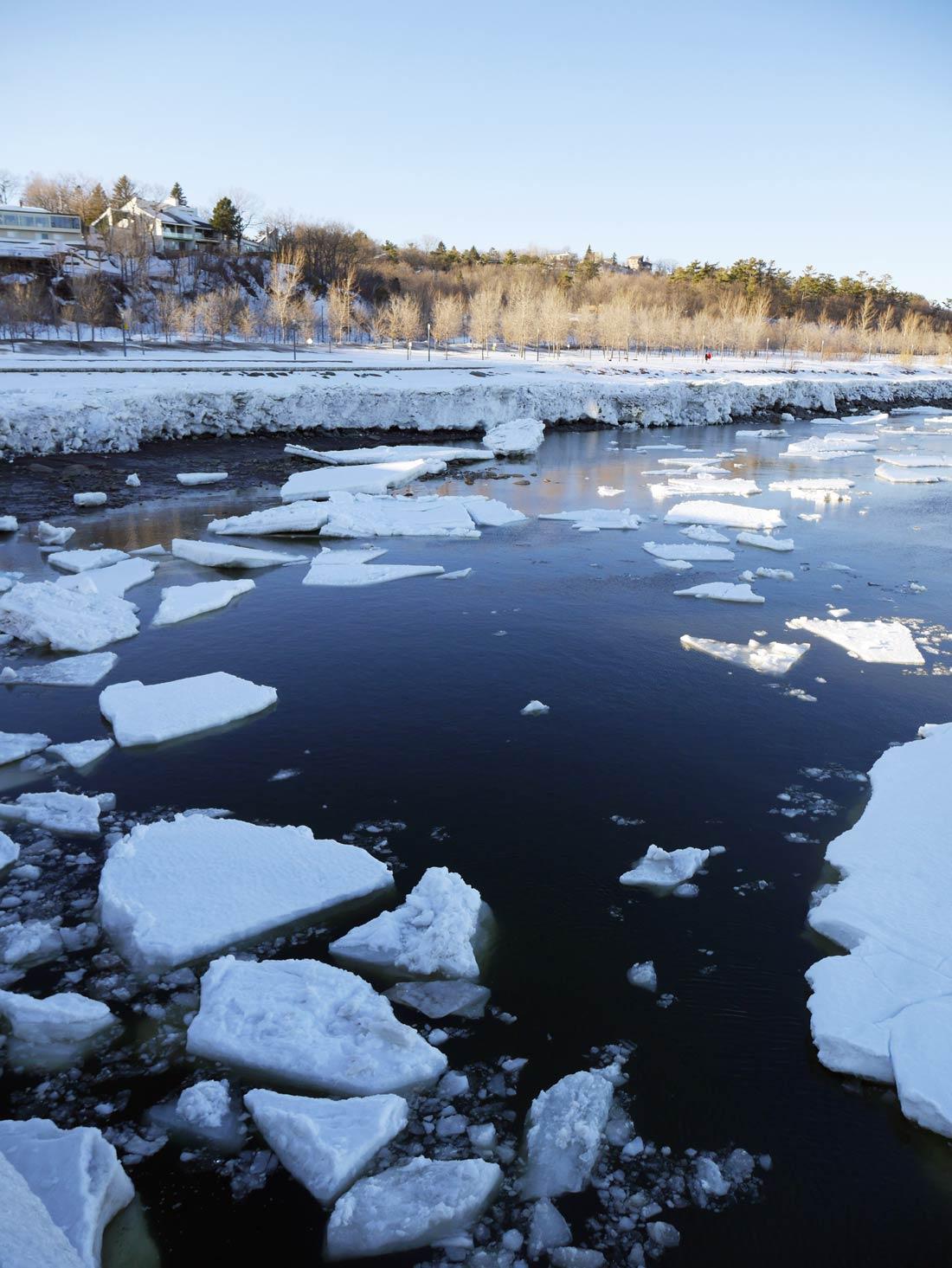 Fleuve Saint Laurent glacé, à Québec