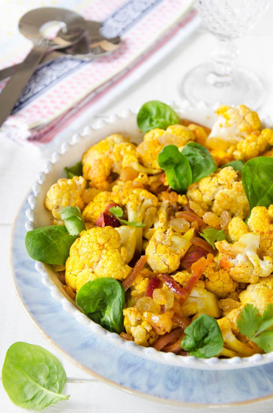 Salade de chou fleur et oignon rouge
