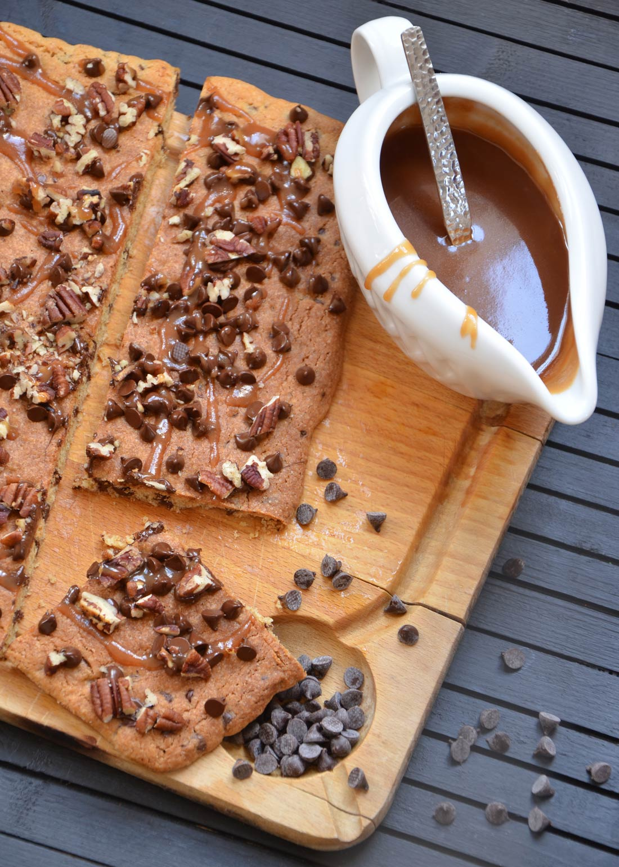Sauce caramel maison et biscuit géant chocolat caramel pécan