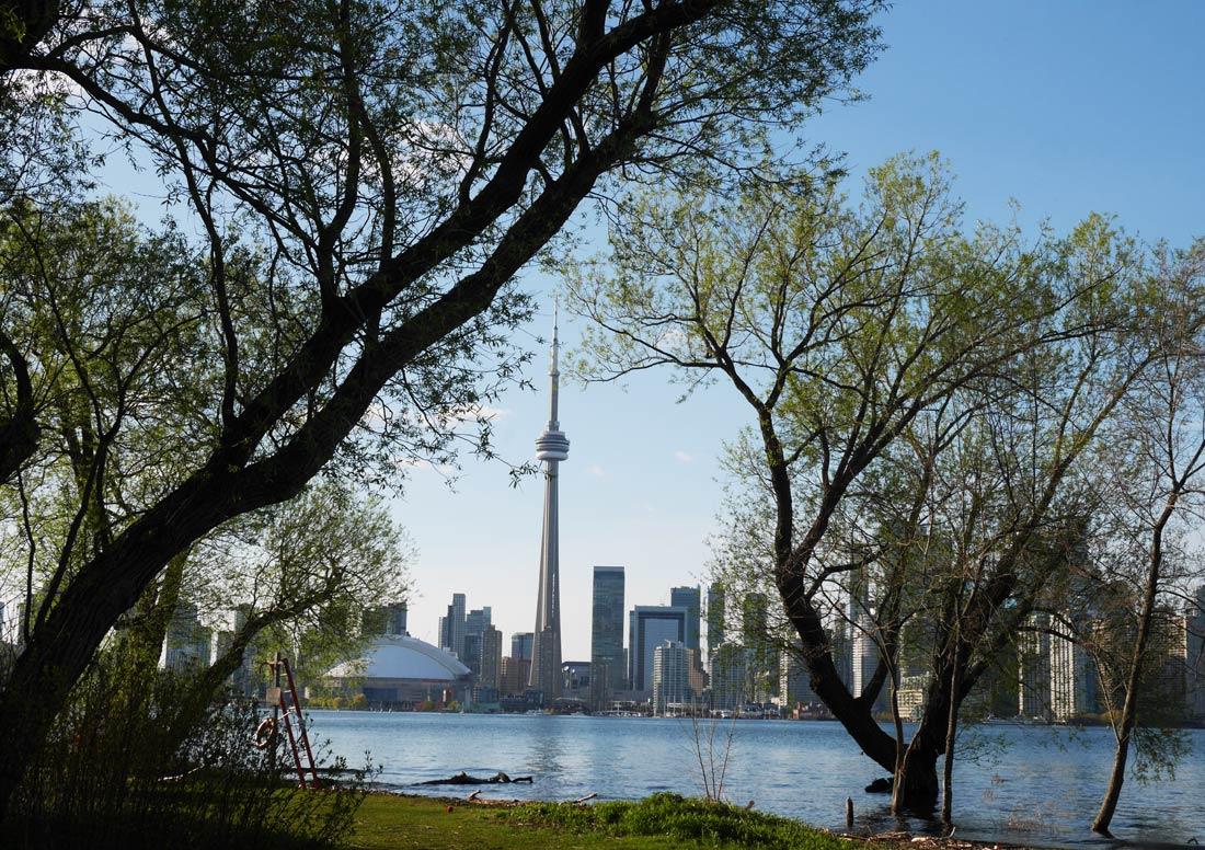 Vue de la tour du CN depuis Toronto Islands