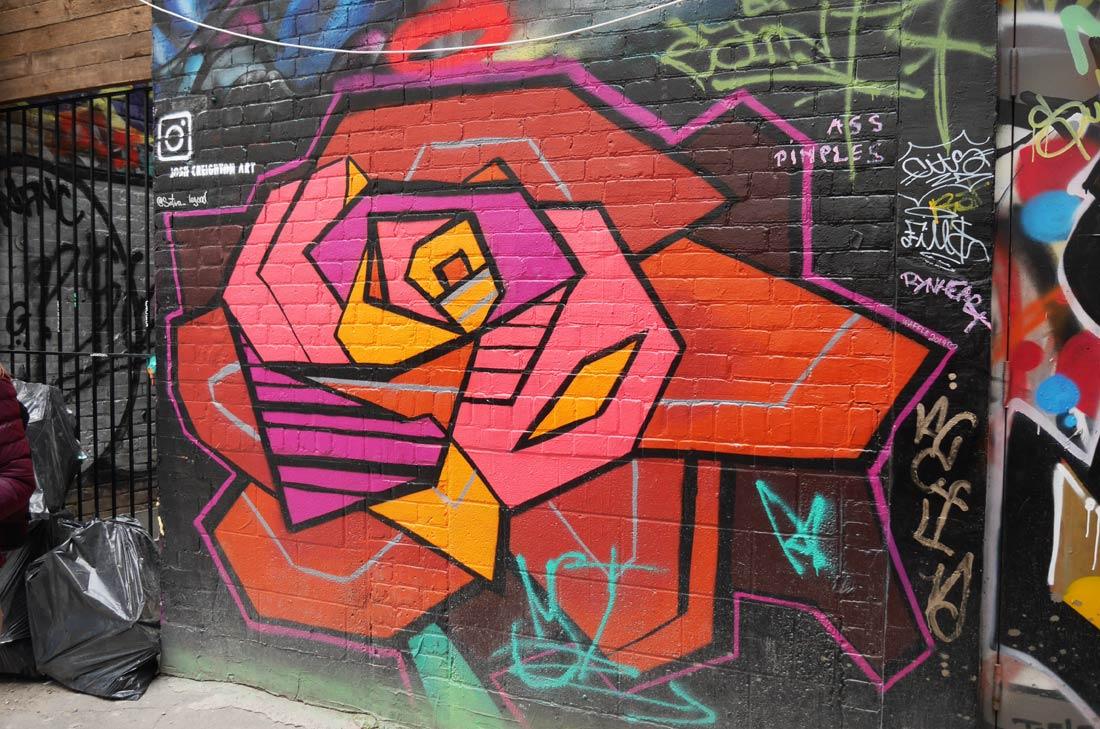 Josh Creighton Art In Graffiti Alley à Toronto