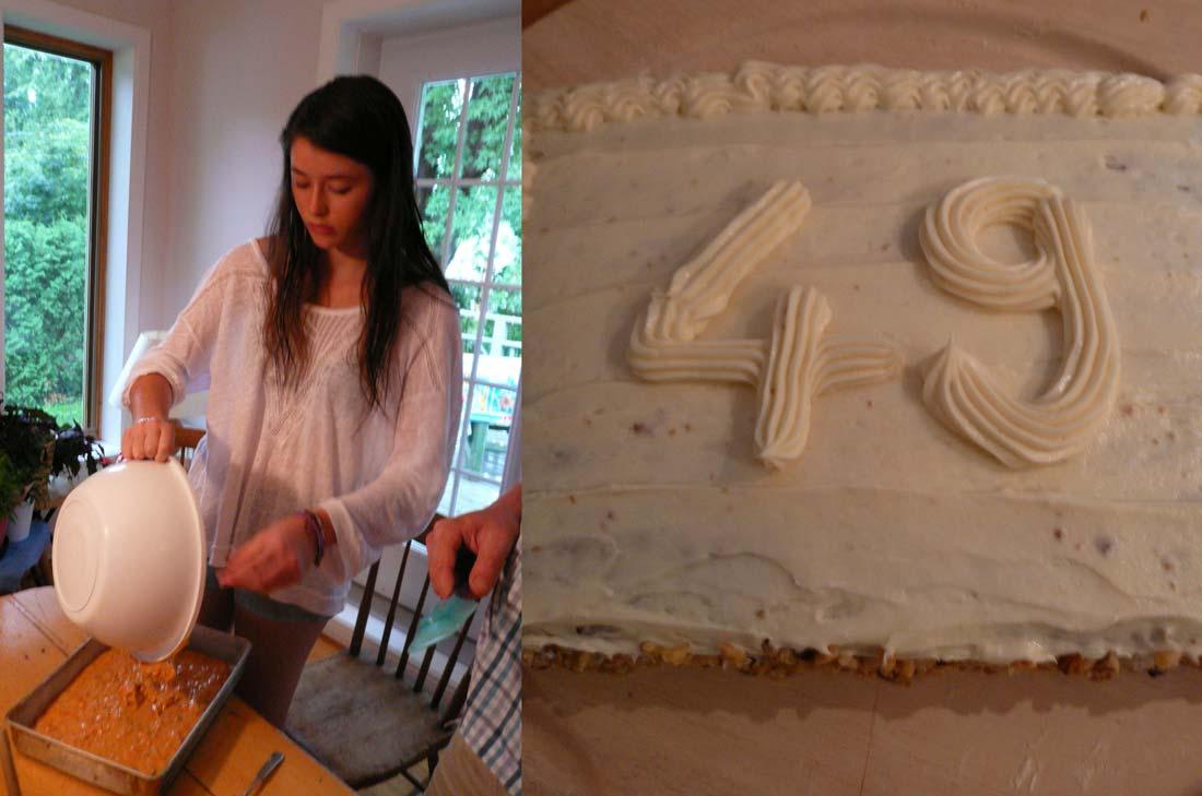 Charlotte préparant un gâteau aux carottes Five Roses