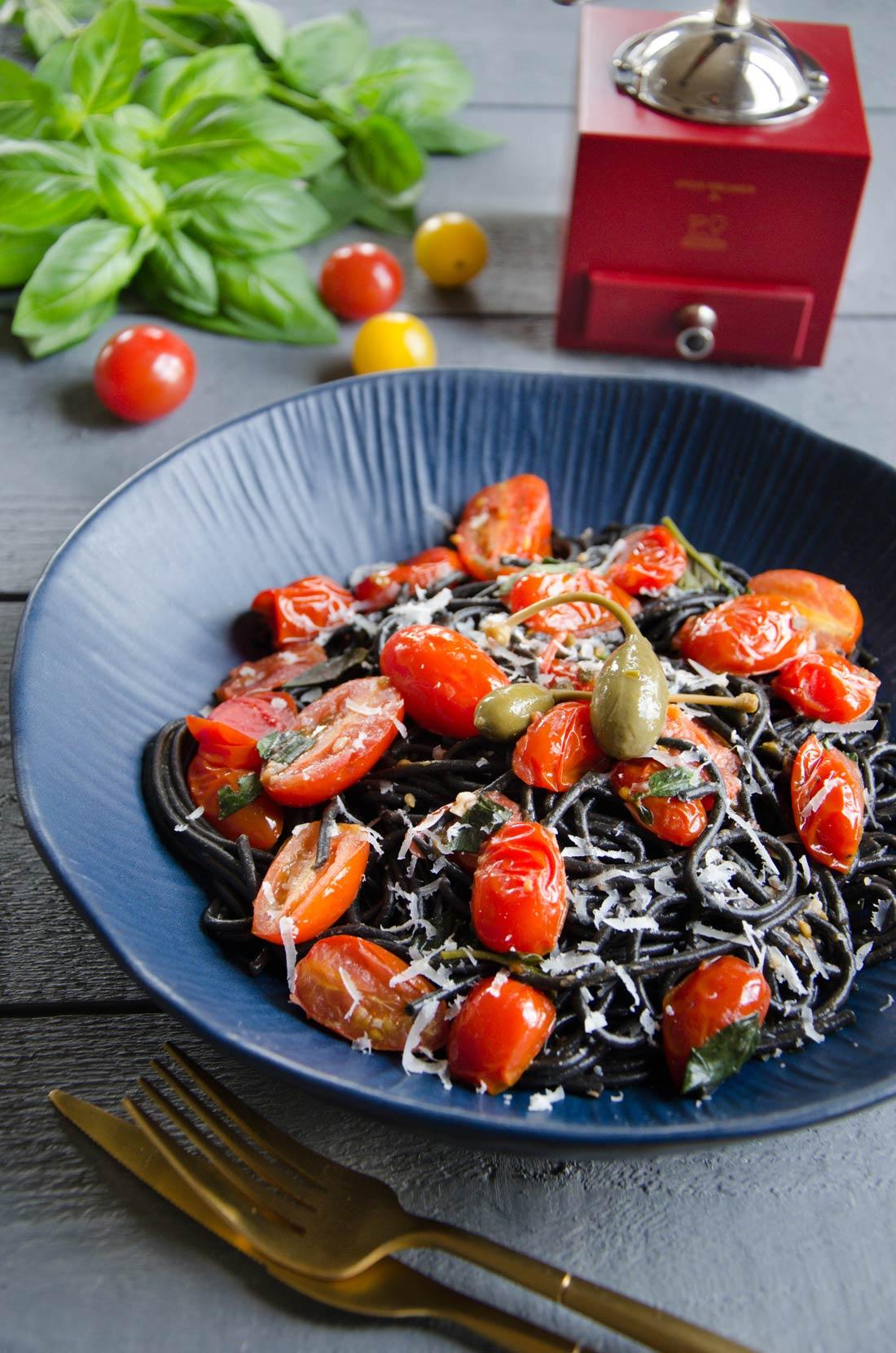Pâtes à l'italienne tomates cerises, ail, basilic