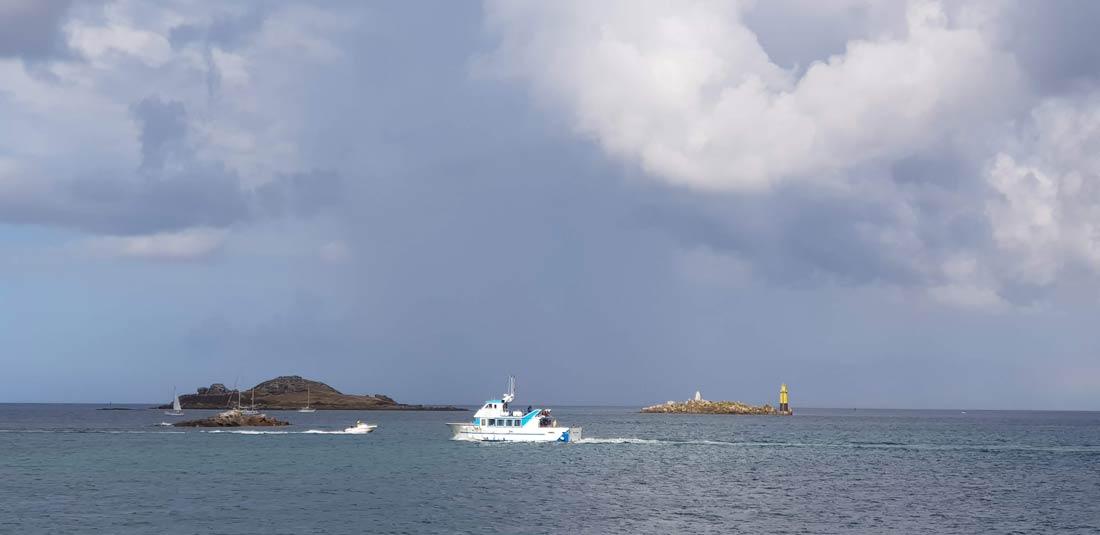 Vedette pour l'ile de Batz