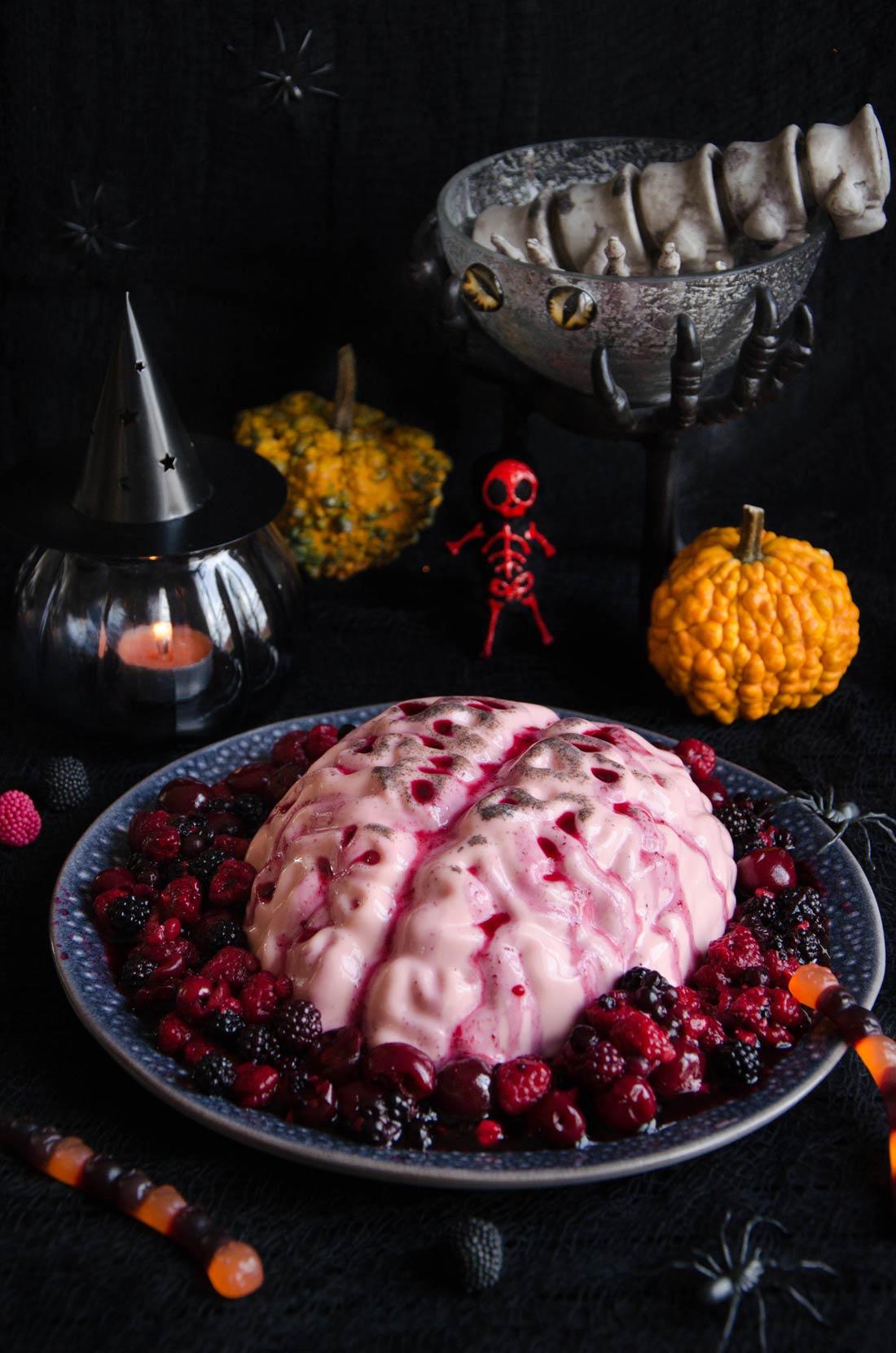 Panna cotta fruits rouges pour Halloween