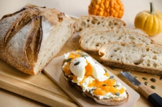 Tartines butternut chèvre oeuf mollet