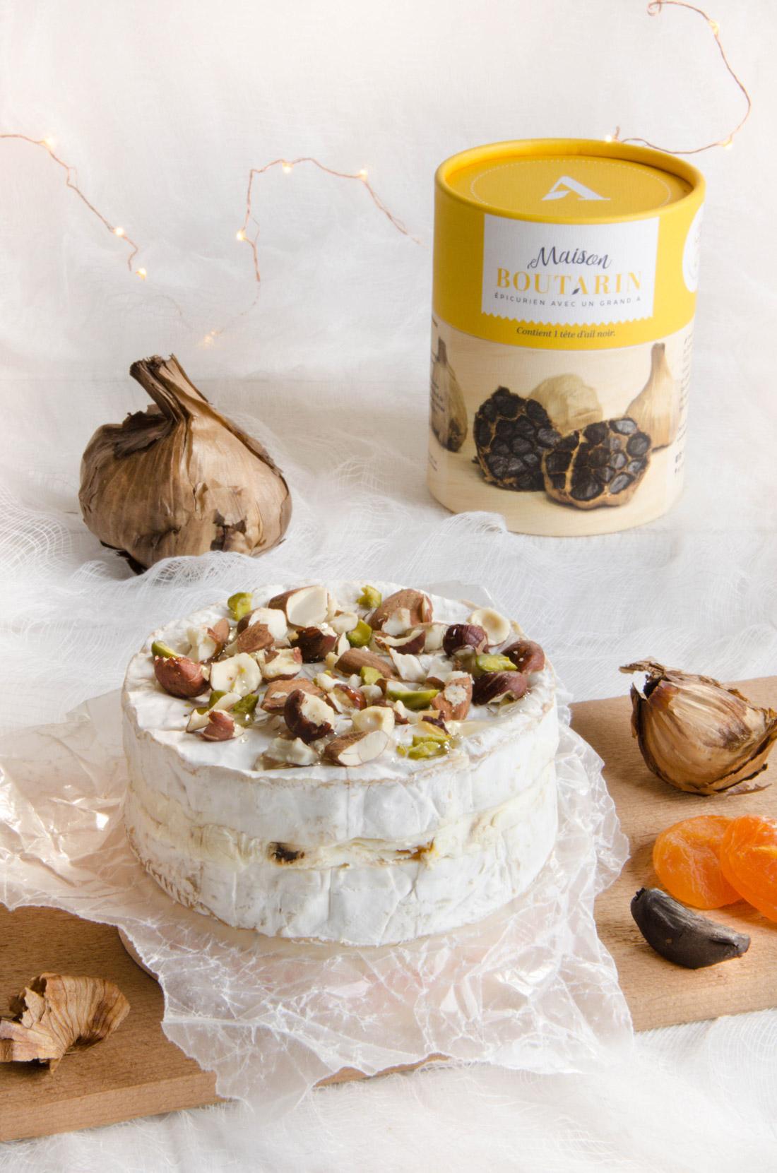 Camembert farci ail noir et abricots secs avec l'ail noir de la maison Boutarin