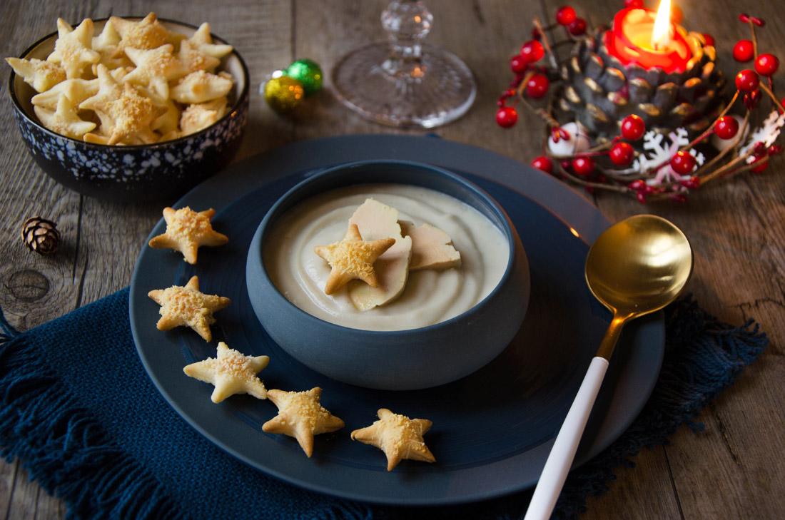 Velouté topinambours foie gras étoiles feuilletées